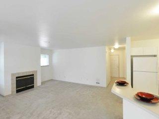 1 bedroom Condo with Internet Access in Kenmore - Kenmore vacation rentals