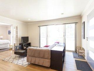 1 bedroom Apartment with Internet Access in Santa Monica - Santa Monica vacation rentals
