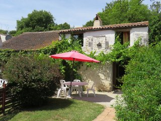 "Rochebonne: Cottage 7 ""La Mangeoire"" - Bourcefranc le Chapus vacation rentals"