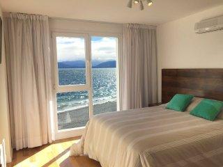 DEPARTAMENTO PARA 4 FRENTE AL LAGO!!! - San Carlos de Bariloche vacation rentals