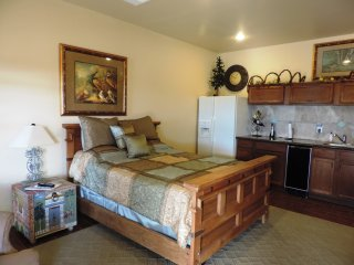 Elizabeth's Haus - The Nest - Lower - Luckenbach vacation rentals