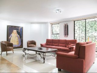 Beautiful Apartment facing Park, El Poblado MDE - Medellin vacation rentals