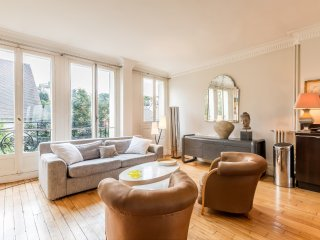 2 bedroom Apartment with Internet Access in 18th Arrondissement Butte-Montmartre - 18th Arrondissement Butte-Montmartre vacation rentals