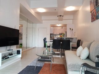 Executive 2BR in Salcedo Village - Makati vacation rentals