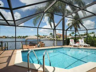 Villa Pelican, Luxury Lake Front ~ Kayaks & Bikes Bring the Family! - Cape Coral vacation rentals