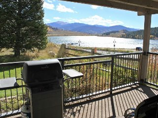 Beautiful 2 Bedroom By The Shores Of Lake Dillon! Clubhouse Access. In Town. - Dillon vacation rentals