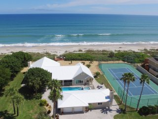 GOLDEN SANDS EMERALD - Luxury Beachfront, Tennis Court, Pool, Spa, Private Beach - Melbourne Beach vacation rentals