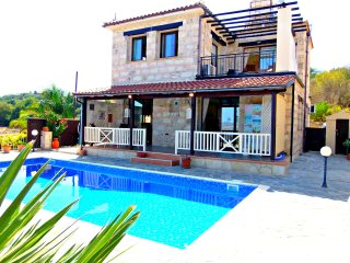 3 Bed Villa Paphos Panoramic Views - Private Pool - Stroumbi vacation rentals