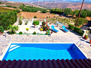 3 Bed Villa-Private Pool -Wifi -Sea/Mountain Views - Stroumbi vacation rentals