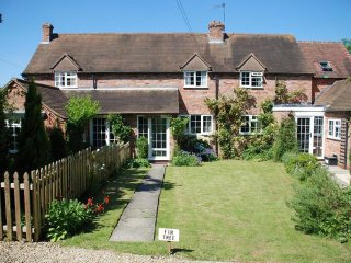 Lovely Cottage with Television and Central Heating - Stretton on Fosse vacation rentals