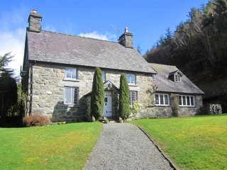 Perfect 5 bedroom Cottage in Llandderfel with Internet Access - Llandderfel vacation rentals