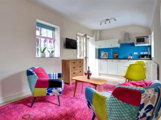 Perfect 1 bedroom Penmorfa Cottage with Internet Access - Penmorfa vacation rentals