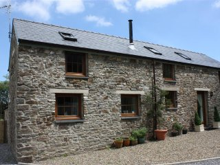 Lovely 3 bedroom Begelly Cottage with Washing Machine - Begelly vacation rentals
