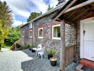 Lovely Cottage with Internet Access and Washing Machine - Llangurig vacation rentals