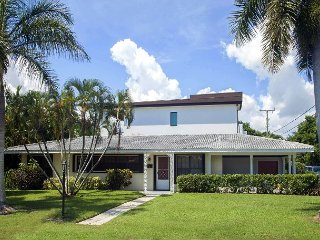 Walk to Beach, Cafes and Live Music from this 3BR, 2BA Delray Beach House - Delray Beach vacation rentals
