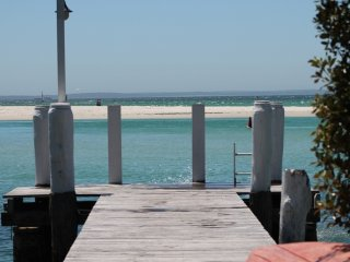 """BY THE SEA"" WATERFRONT ACCOMMODATION Jervis Bay - Huskisson vacation rentals"