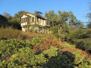 Charming Manor house with Deck and Internet Access - La Canada Flintridge vacation rentals