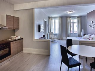 Bright Apartment with Wireless Internet and Satellite Or Cable TV - Luxeuil-les-Bains vacation rentals