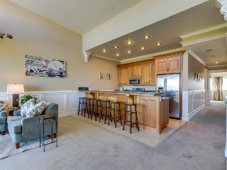 Seaside, dog-friendly home with incredible Pacific Ocean views! - Rockaway Beach vacation rentals