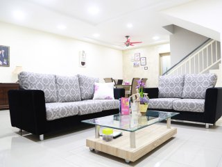 Storey3 - A great chapter of story in our house - Melaka vacation rentals