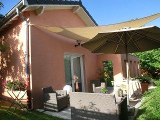 ALBA PLENA : STUDIO sur JARDIN - Lyon vacation rentals