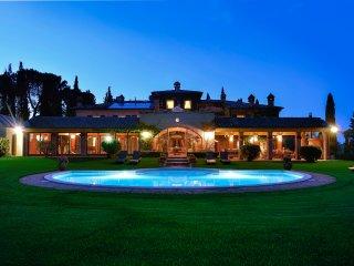 Luxury villa close to Montepulciano - Pozzuolo vacation rentals