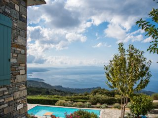 Stonebuilt villa with pool & amazing panorama - Agios Georgios Nilias vacation rentals