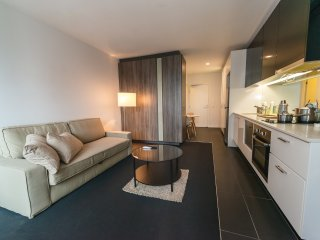 Urbanite's Studio In Melbourne's CBD - Melbourne vacation rentals