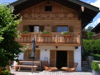 Bright 3 bedroom Reit im Winkl Chalet with Hot Tub - Reit im Winkl vacation rentals