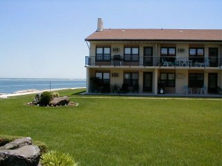 No Better View, No Nicer 2 Bedroom on Jersey shore - North Wildwood vacation rentals