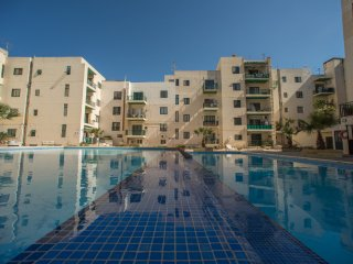 New Property Spacious Modern Fully Equip Wi-fi - Bugibba vacation rentals