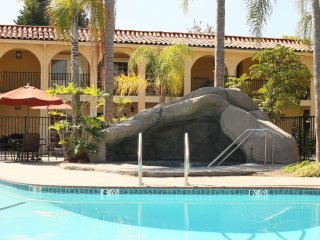 Nice Condo with Internet Access and Satellite Or Cable TV - Los Angeles vacation rentals