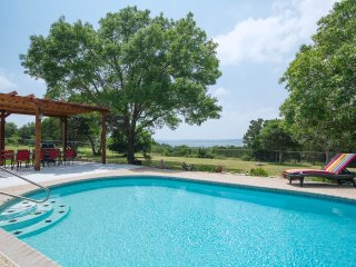 Limin' Lakehouse - Great Amenities, Pool, Hot Tub - Canyon Lake vacation rentals
