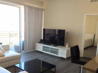 Furnished 2-Bedroom Apartment at 4th St & Arizona Ave Santa Monica - Santa Monica vacation rentals