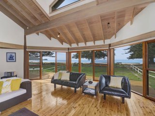 WHISPERING WAVES - Fantastic - Avoca Beach vacation rentals