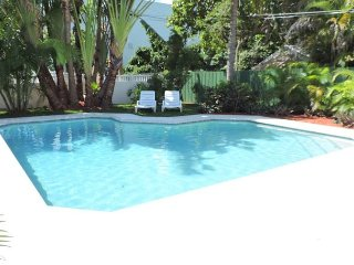 GRAND OPENING RATES FOR SAILORS COVE 1/1 FOR 4 GUESTS SHARED POOL MARINA VIEW - Dania Beach vacation rentals