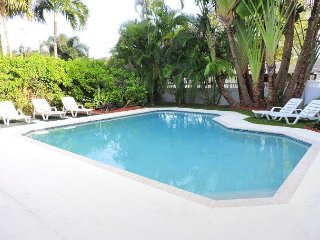 PIRATE'S COVE 1/1 FOR 4 GUESTS NEAR AIRPORT &  BEACH & BROADWALK - Dania Beach vacation rentals