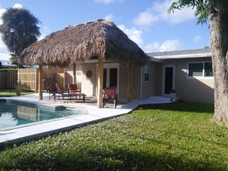 TROPICAL OASIS POOL HOME IN THE COVE - Deerfield Beach vacation rentals