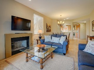 Newly remodeled country club condo w/shared pool & hot tub - La Quinta vacation rentals