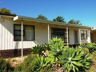 Perfect 3 bedroom House in Carrickalinga with DVD Player - Carrickalinga vacation rentals