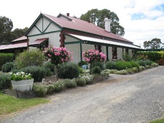 Anne's Heritage Holiday House - 1231 Pages Flat Road - Myponga vacation rentals