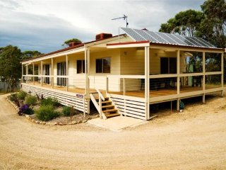 2 bedroom House with A/C in Yankalilla - Yankalilla vacation rentals