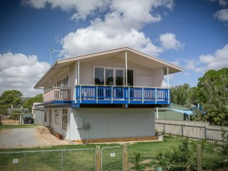 Nice 5 bedroom House in Normanville - Normanville vacation rentals