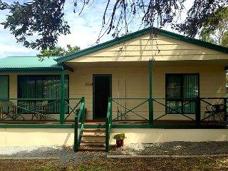 4 bedroom House with A/C in Carrickalinga - Carrickalinga vacation rentals