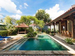 2 BD Pool Villa Sakura Seminyak Center - Seminyak vacation rentals