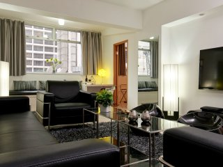 EXTREMELY BIG LUXURY WESTERN STYLE SUITE★SUPER Central TST★4 Bath★SPEEPS 12★SAFE - Hong Kong vacation rentals