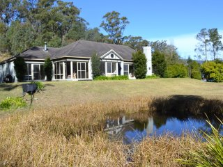 Secluded  country home beautiful vista & wildlife - Kangaroo Valley vacation rentals