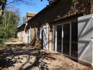 Bright 5 bedroom House in Neuville-sur-Sarthe - Neuville-sur-Sarthe vacation rentals