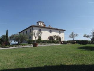Bright 9 bedroom Villa in Brolio - Brolio vacation rentals