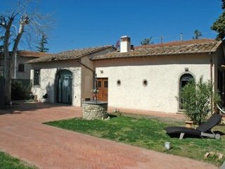 CHARMING SELF HOUSE - San Casciano in Val di Pesa vacation rentals